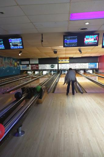 Bar & Grill «Rec Bowl», reviews and photos, 40 Crocker Blvd, Mt Clemens, MI 48043, USA