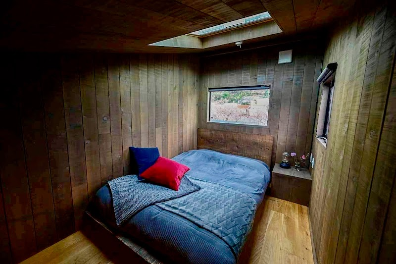Tiny Base The River -HOUSE- & -TRAILER-
