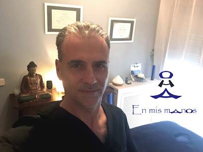 imagen de masajista En mis manos OHA - Quiromasajista Profesional, Quiromasaje, Masajista, Masaje, Bienestar, Salud