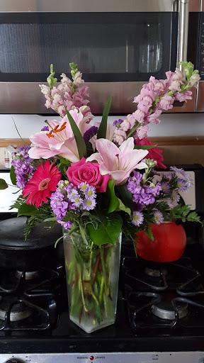 Florist «Crimson Ridge Florist Rockford», reviews and photos, 735 N Perryville Rd, Rockford, IL 61107, USA
