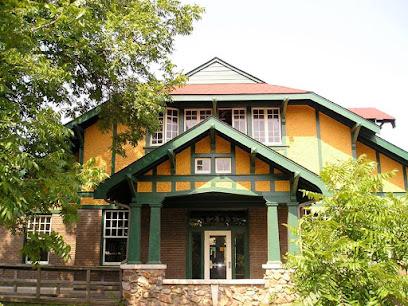 HI Little Rock Firehouse Hostel & Museum
