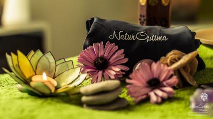 imagen de masajista Naturoptima masajes