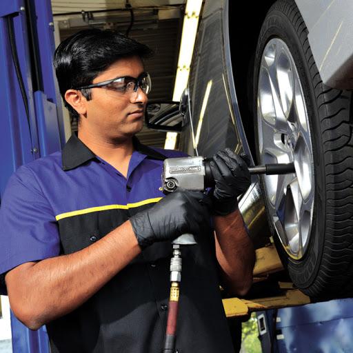 Magasin de pneus Aquitaine Auto à Mississauga (ON) | AutoDir