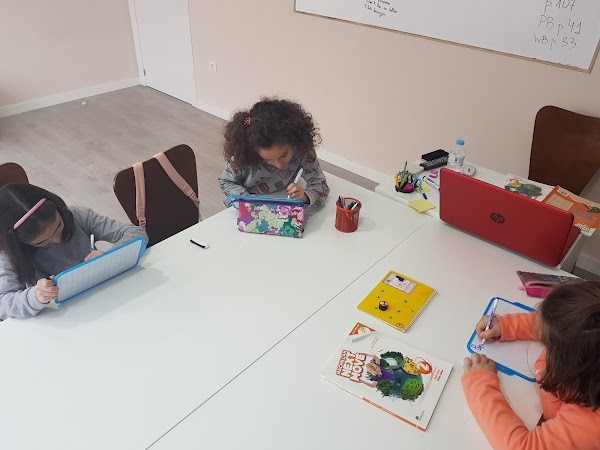 Academia de Inglés, Francés y Ruso Pequeño Poliglota