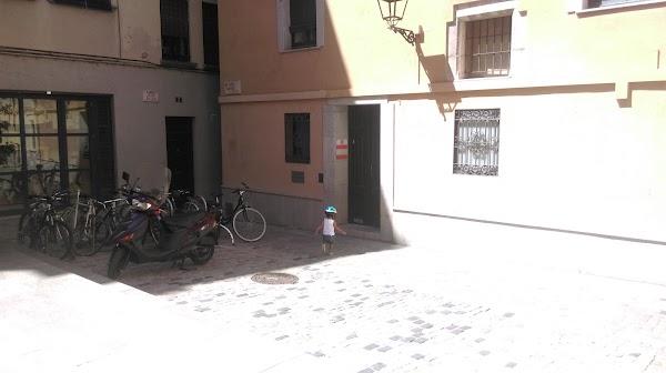 Ax6 Acupuntura i terpies naturals Girona