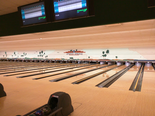 Bowling Alley «Spanish Springs Lanes», reviews and photos, 997 Alverez Ave, Lady Lake, FL 32159, USA