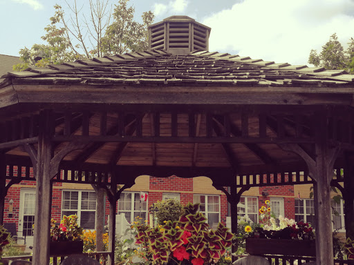 Retirement Home Longworth Retirement Residence in London (ON) | LiveWay