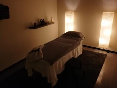 imagen de masajista Centro de Masajes 5 Sentidos