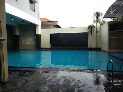 Swimming Pool The Body Art