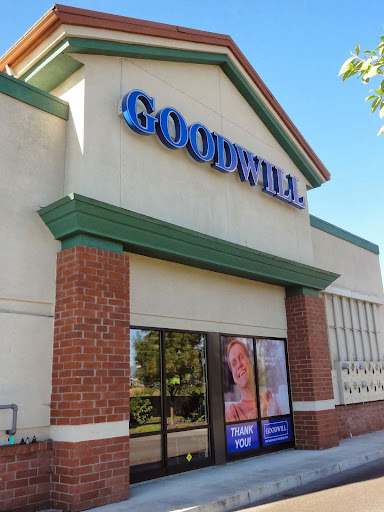 Southern Oregon Goodwill Retail Store, 1249 Plaza Blvd a, Central Point, OR 97502, Thrift Store