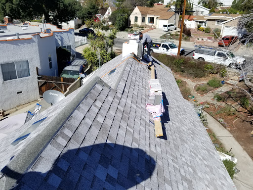 Roof Repair Specialist in Long Beach, California