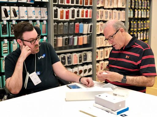 Réparation électronique Jump+ Apple Premium Retailer (Moncton/Dieppe) à Dieppe (NB) | LiveWay