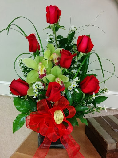 Florist «Fancy Flowers & Gift Shop», reviews and photos, 2800 W 84th St #5, Hialeah ...