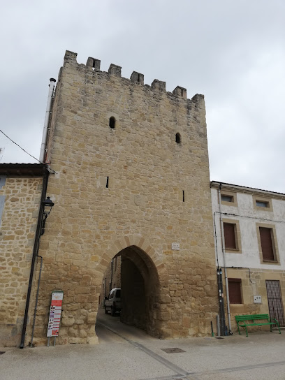 Arco de Encima La Villa