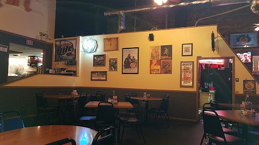 Restaurant «The Gaslight Pizza & Grill», reviews and photos, 328 E 4th St, Huntingburg, IN 47542, USA