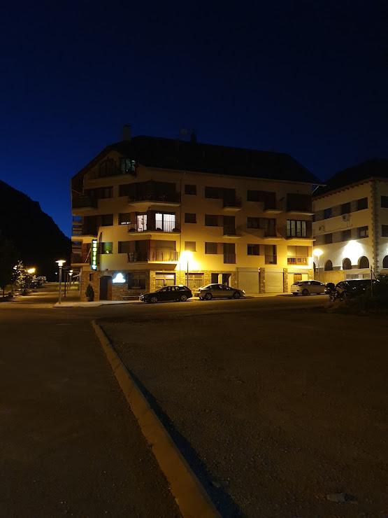 Hotel Flor de Neu Carrer del Salencar, s/n, 25520 El Pont de Suert, Lleida