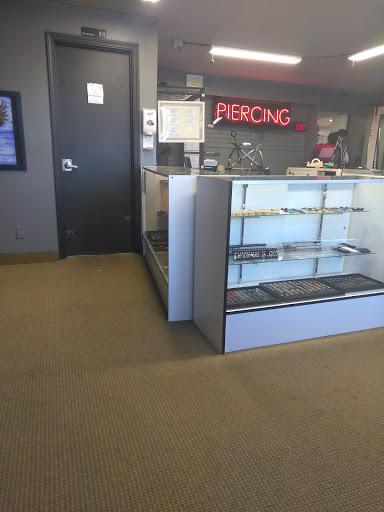 Tattoo Shop «Paramount Tattoo Studio», reviews and photos, 9921 SE Stark St, Portland, OR 97216, USA