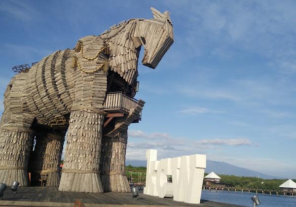 Patung Kuda Cipta Wilaha
