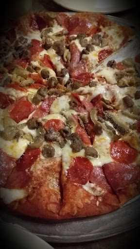 Pizza Restaurant «Roaring Rapids Pizza Company», reviews and photos, 4006 Franklin Blvd, Eugene, OR 97403, USA