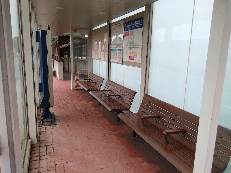 高速基山バス停(上り線)