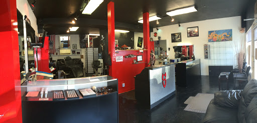 Tattoo Shop «Life Sentence Tattoo & BodyJewelry», reviews and photos, 10614 SE Kent-Kangley Rd, Kent, WA 98030, USA