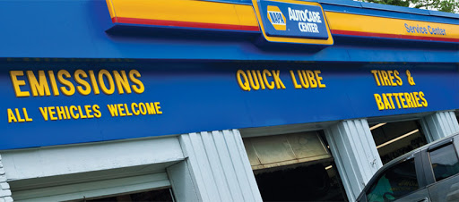Auto Parts Store «NAPA Auto Parts - Farnams Genuine Parts», reviews and photos, 800 Center Ave, Moorhead, MN 56560, USA