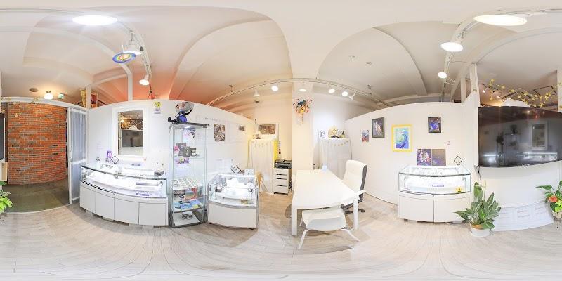 隕石直売所 Bigbang横浜中華街店