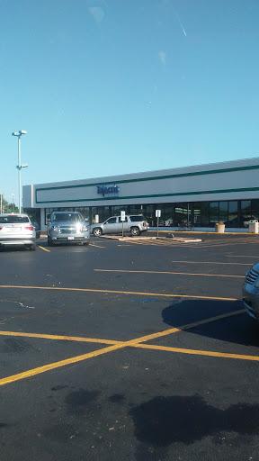 Talecris Plasma Resources, 2609 Grand Ave, Waukegan, IL 60085, Blood Donation Center