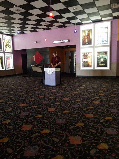 Movie Theater «Premiere Cinema 8 - Plant City», reviews and photos, 220 W Alexander St #31, Plant City, FL 33563, USA