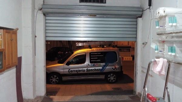 AlbaCerrajeros 24 horas Aperturas de puertas,cerraduras,persianas metalicas,etc