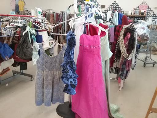 Goodwill, 1115 N Charles G Seivers Blvd #3, Clinton, TN 37716, USA, Thrift Store