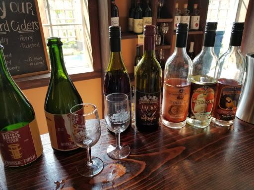 Wine Store «Lake Ontario Winery & Vineyards», reviews and photos, 1593 Hamlin Parma Townline Rd, Hilton, NY 14468, USA