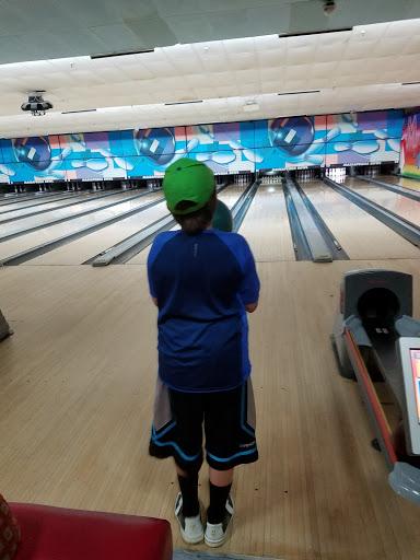 Bowling Alley «Massapequa Bowl & lounge», reviews and photos, 4235 Merrick Rd, Massapequa, NY 11758, USA