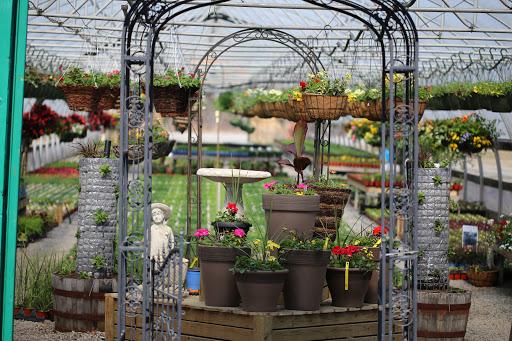 Garden center Serres du Lac Inc (Les) in Lac-à-la-Tortue (QC) | LiveWay