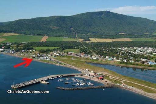 Cottage Les Chalets de la Baie Bleue in Carleton (Quebec) | CanaGuide