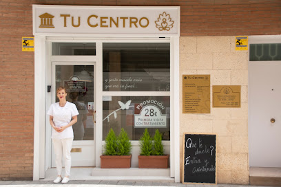 imagen de masajista Tu Centro - Terapias Naturales y Alternativas en Reus - Naturopatía   Quiromasaje   Reiki