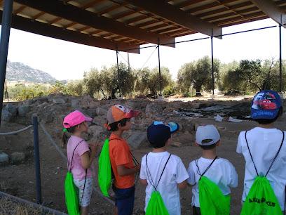 """Yacimiento Arqueológico de la Iglesia Mudéjar y Necrópolis """"La Mezquita"""""""