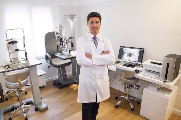 Licari José - Oftalmólogo - Oftalmleg - Augenarzt - Ophtalmologiste -  - Tarragona