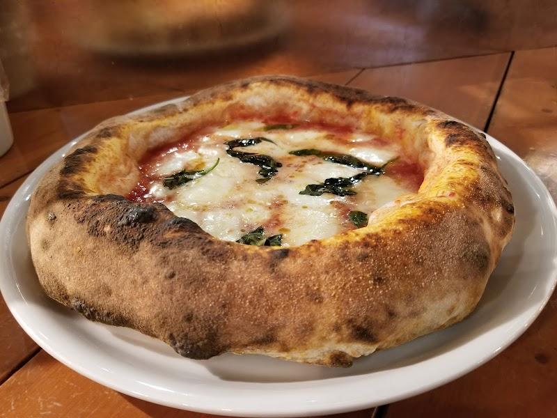 Pizza.肉.ワイン イルフォルノドーロ