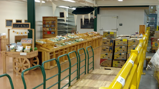 R I Community Food Bank, 200 Niantic Ave, Providence, RI 02907, Food Bank