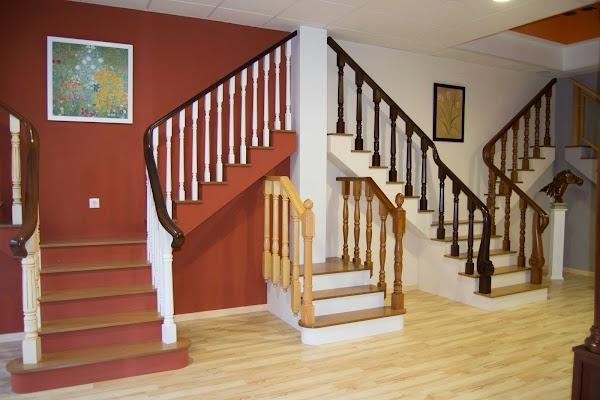 Barandas de escaleras en madera Ortiz sc