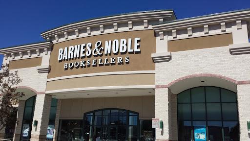 Book Store «Barnes & Noble Booksellers - Bandera», reviews and photos, 11711 Bandera Rd, San Antonio, TX 78250, USA