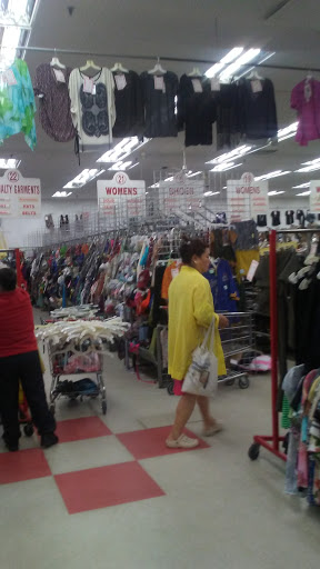 Thrift Store «Village Discount Outlet Store 08», reviews and photos, 3301 W Lawrence Ave, Chicago, IL 60625, USA
