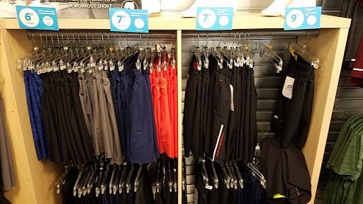 Running Store «Road Runner Sports», reviews and photos, 444 Ramsay Way Suite 114, Kent, WA 98032, USA