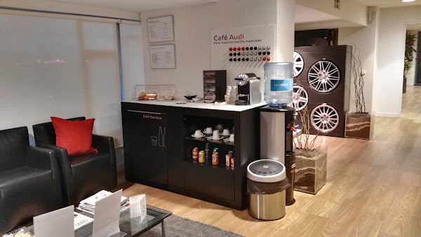 Audi Retail Madrid - Castellana Wagen