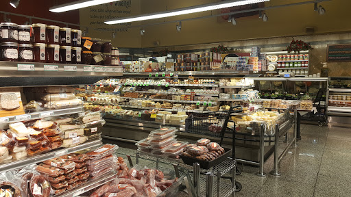 Grocery Store «Fresh Farms», reviews and photos, 20 S Milwaukee Ave