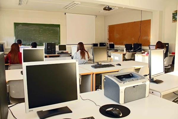 Colegio Victoria Díez