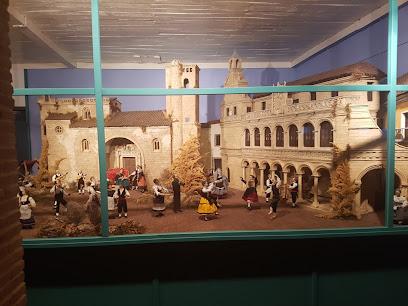 Museo De Artes Decorativas Navideñas