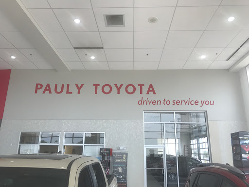 Toyota Dealer «Pauly Toyota», reviews and photos, 1035 S Illinois Rte 31, Crystal Lake, IL 60014, USA