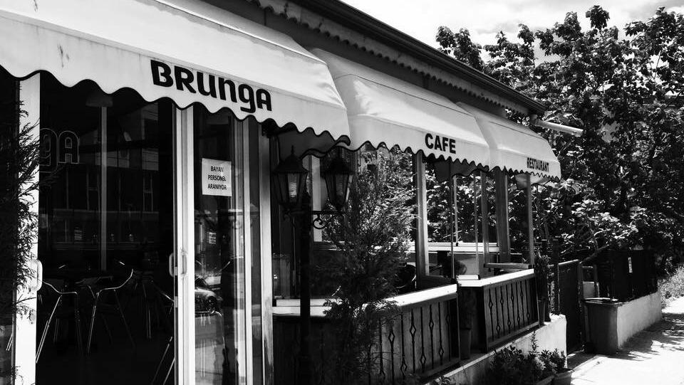 BRUngA Cafe & Restaurant